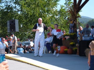 cloggingcouple 300x225 Townsend Fall Heritage Festival and Old Timers Day 2015